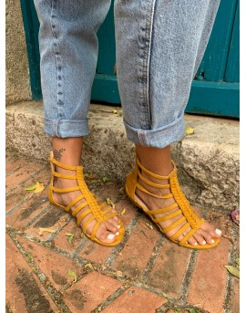 Sandalias altas verano color ocre