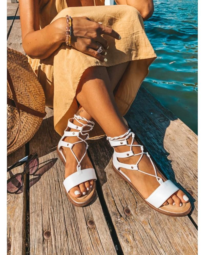 Sandalias planas color blanco