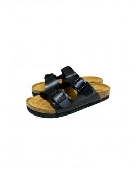 sandalias planas con dos hebillas